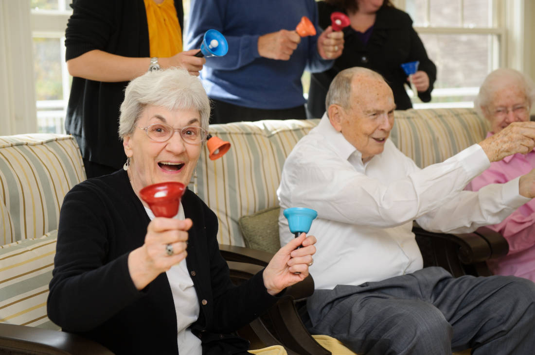5 Ways Music Therapy Helps Seniors